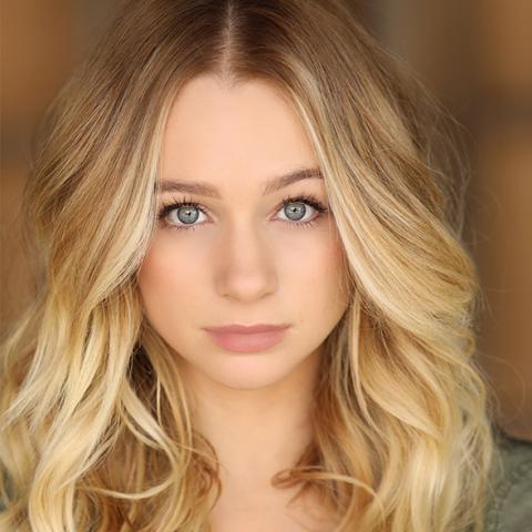 Mollee Grey