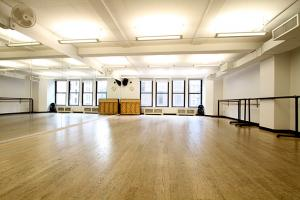 Studio Tour | Broadway Dance Center Empty Dance Studio Background